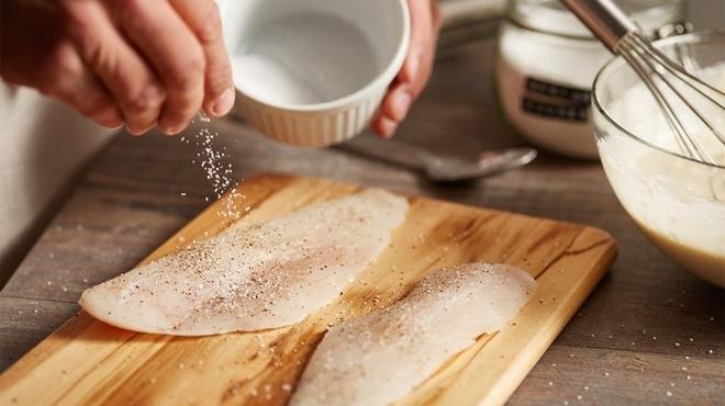 Người Việt đang ăn lượng muối nhiều gấp đôi khuyến cáo - 1
