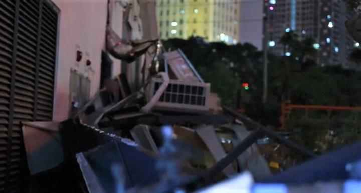 Dàn điều hoà khổng lồ ở chung cư Hà Nội đổ sập xuống sân chơi trẻ em - 6