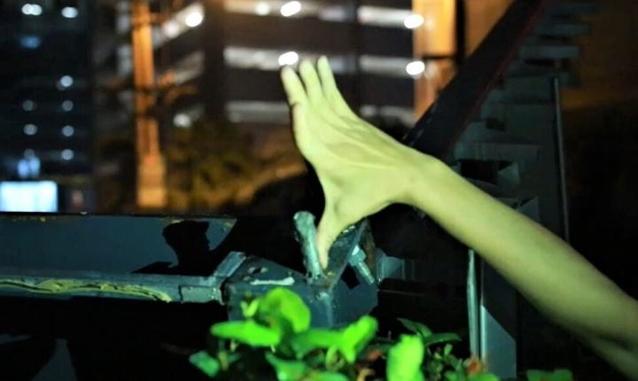 Dàn điều hoà khổng lồ ở chung cư Hà Nội đổ sập xuống sân chơi trẻ em - 7