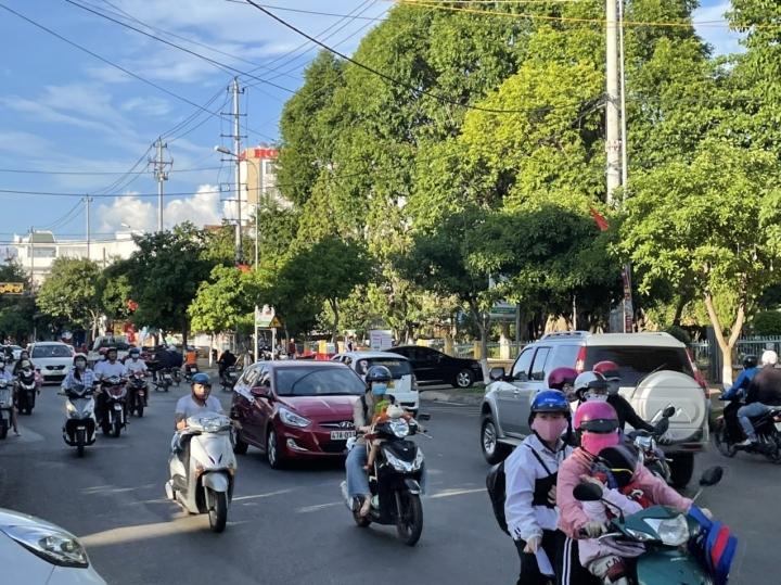 Đắk Lắk: Người dân ra đường không mang khẩu trang sẽ bị xử phạt - 1