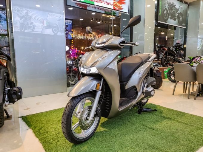 Những mẫu xe tay ga nhập khẩu vừa gia nhập thị trường Việt - 2