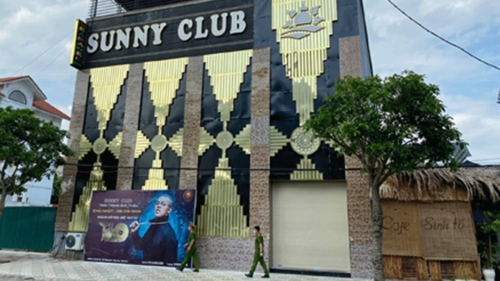 Công an Vĩnh Phúc điều tra thực hư clip 'nóng' bị cho là ở quán karaoke Sunny  - 1