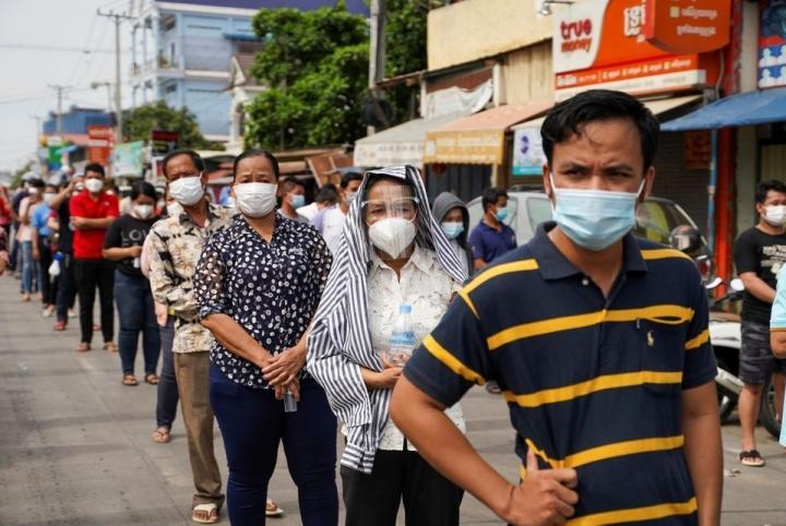 Một người Việt ở Lào chết vì COVID-19, Campuchia tăng trở lại ca nhiễm - 2