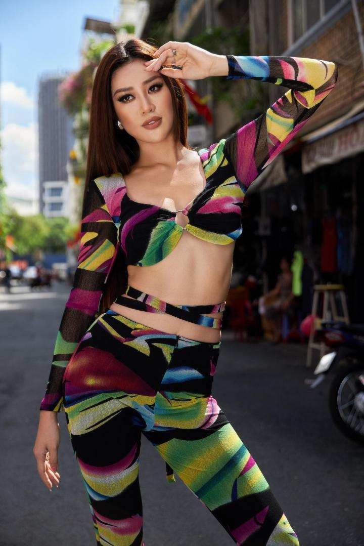 Hoa hậu Khánh Vân khoe eo con kiến trong ngày tập đầu tiên ở Miss Universe - 7