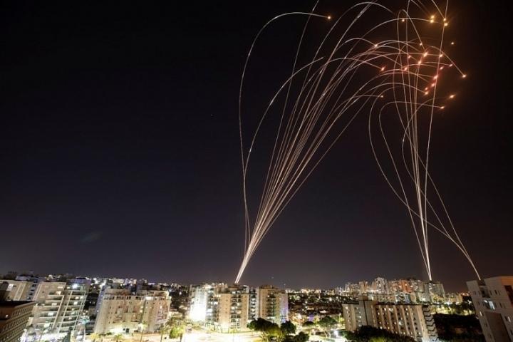اسرائیل هر هفته 3100 موشک دریافت می کند - 1
