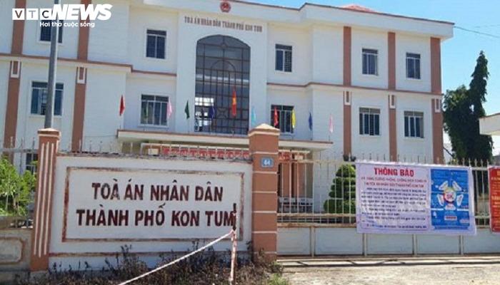 Bắt thẩm phán TAND TP Kon Tum nhận hối lộ - 1