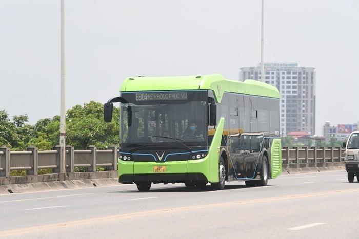 Ảnh: Xe buýt điện thông minh VinBus chạy thử tuyến nội đô Hà Nội - 2