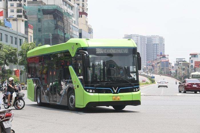 Ảnh: Xe buýt điện thông minh VinBus chạy thử tuyến nội đô Hà Nội - 7