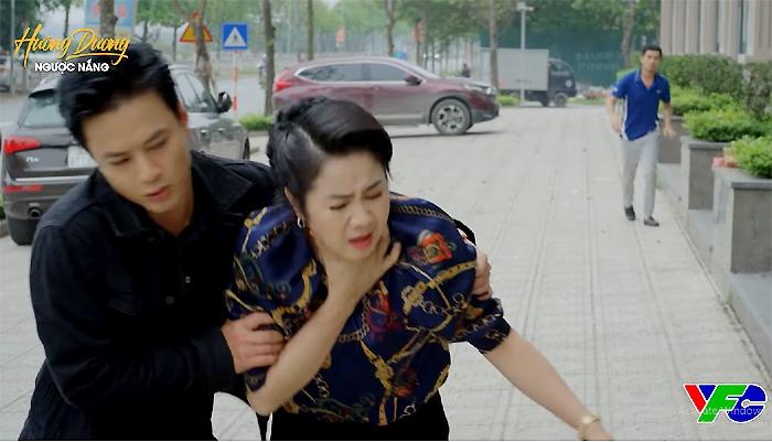 'Hướng dương ngược nắng' tập 69: Kiên cứu bà Bạch Cúc, bị Vỹ đánh trọng thương