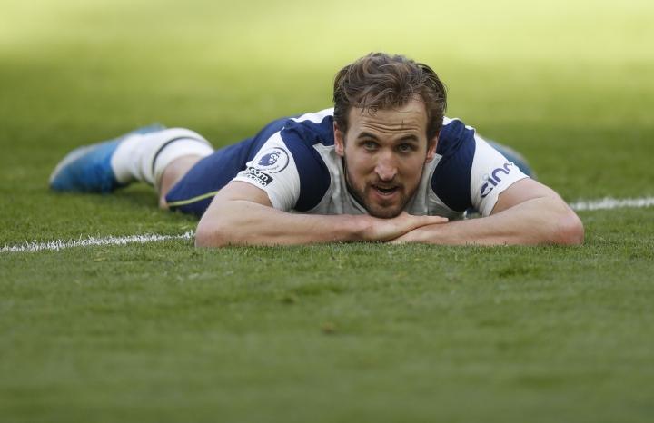 Harry Kane tuyệt vọng ở Tottenham