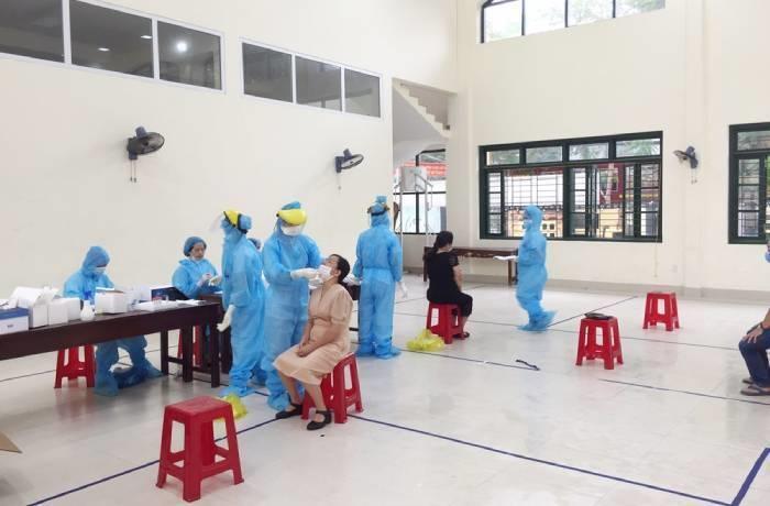 Kết quả xét nghiệm 248 giáo viên, học sinh liên quan cô giáo mắc COVID-19