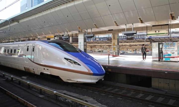 قطار سریع السیر با 1 دقیقه تأخیر به ایستگاه بازمی گردد ، ژاپن تحقیق می کند و علت غیر منتظره را می یابد - 1