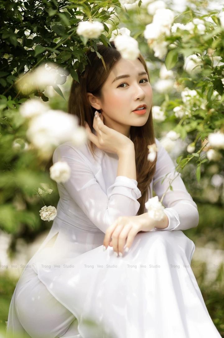 Ngất ngây trước nhan sắc mong manh tựa nàng thơ của Á khôi Đỗ Hà Trang - 6