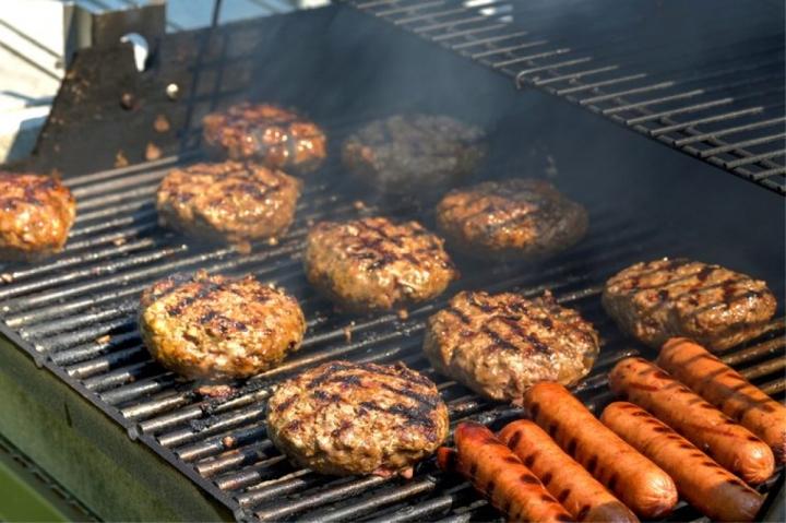 Những thực phẩm nên hạn chế ăn vào mùa hè  - 7