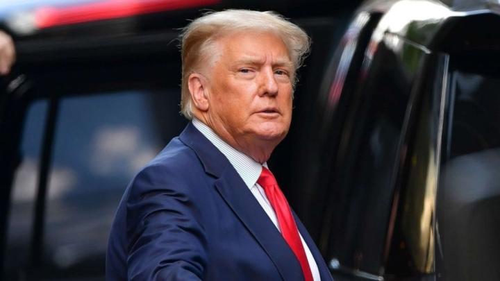 Cựu Tổng thống Trump tuyên bố sẽ 'lấy lại' nước Mỹ - 1