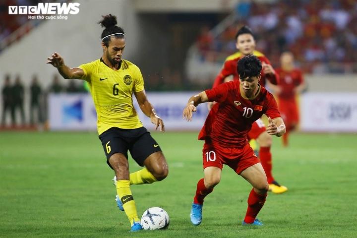 Huyền thoại bóng đá Malaysia: Thua tuyển Việt Nam, chẳng biết giấu mặt vào đâu - 2