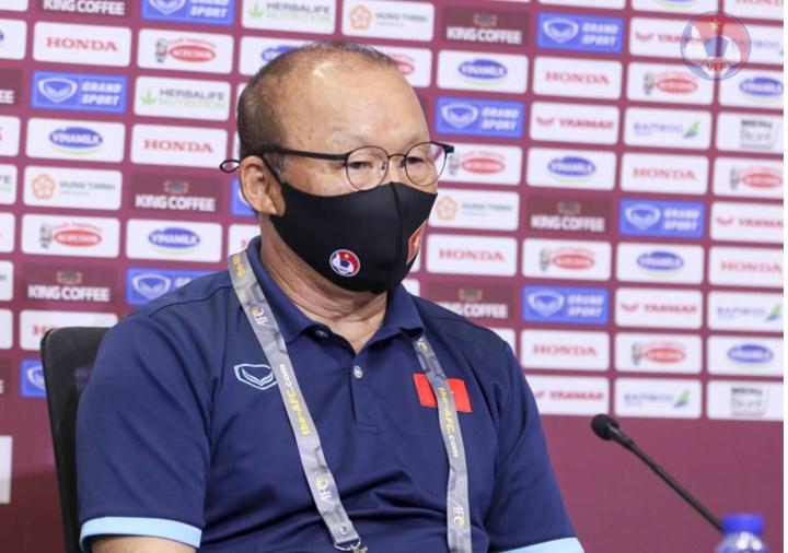 HLV Park Hang Seo bị cấm chỉ đạo trận Việt Nam vs UAE - 1