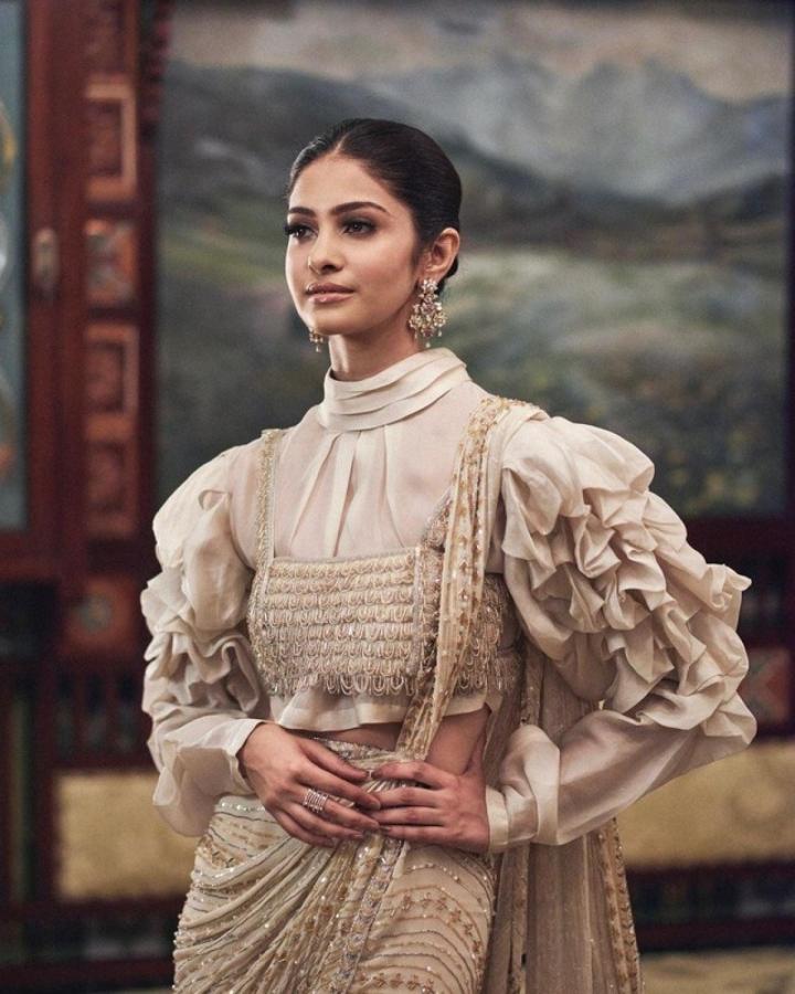Nhan sắc kiều diễm của Hoa hậu Ấn Độ, đối thủ của Đỗ Thị Hà tại Miss World 2021 - 2