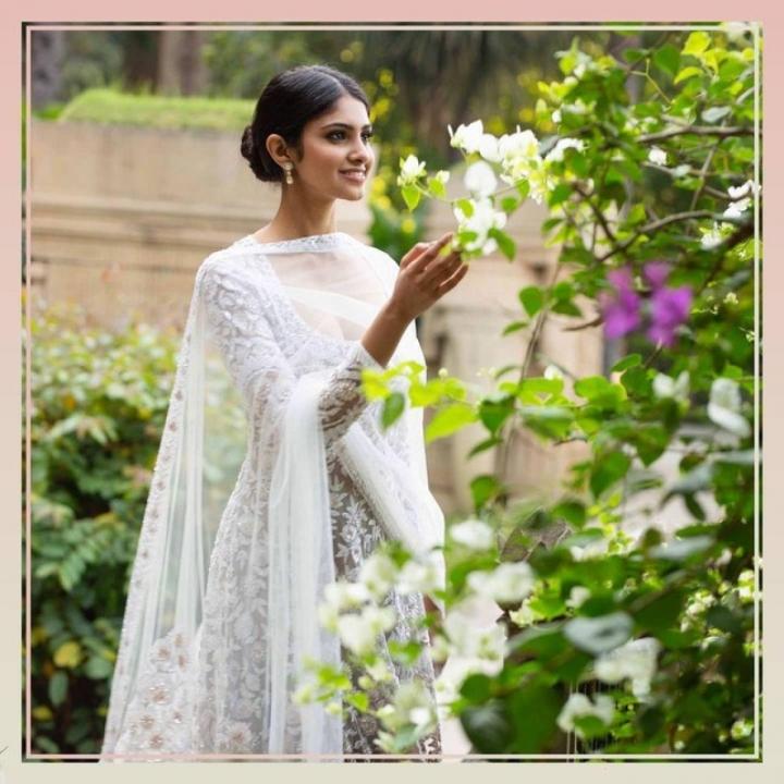 Nhan sắc kiều diễm của Hoa hậu Ấn Độ, đối thủ của Đỗ Thị Hà tại Miss World 2021 - 5