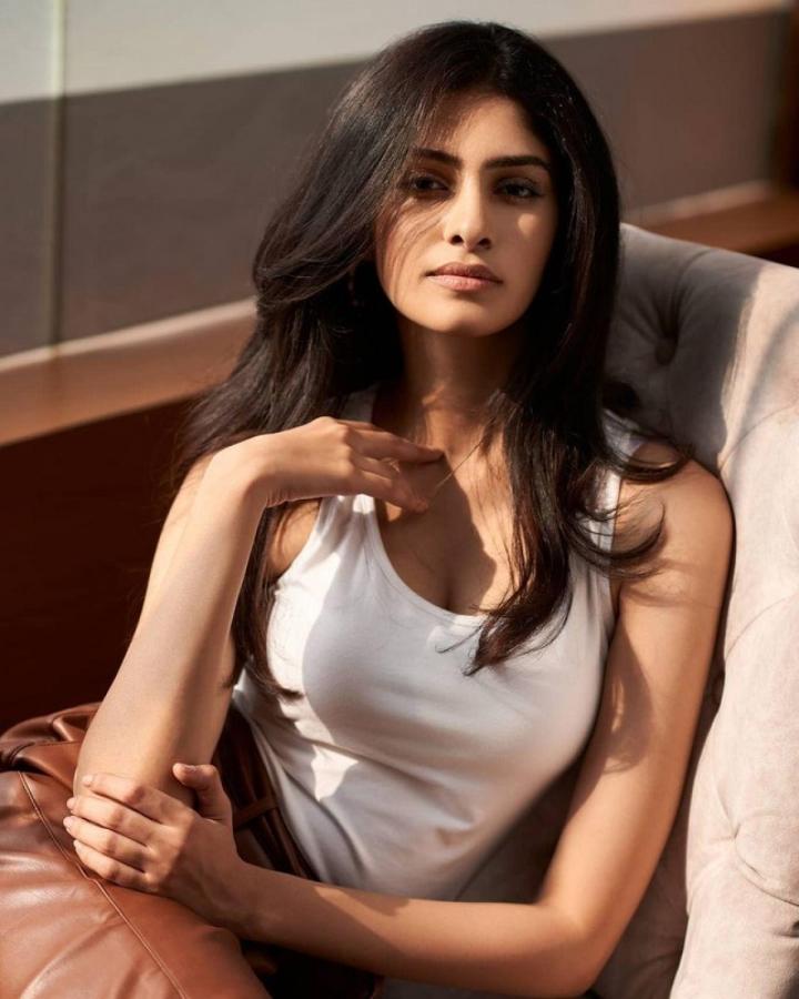 Nhan sắc kiều diễm của Hoa hậu Ấn Độ, đối thủ của Đỗ Thị Hà tại Miss World 2021 - 7