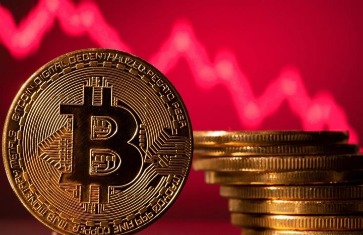 Giá Bitcoin hôm nay 27/8: Thị trường rực đỏ, Bitcoin giảm sập giá - 1