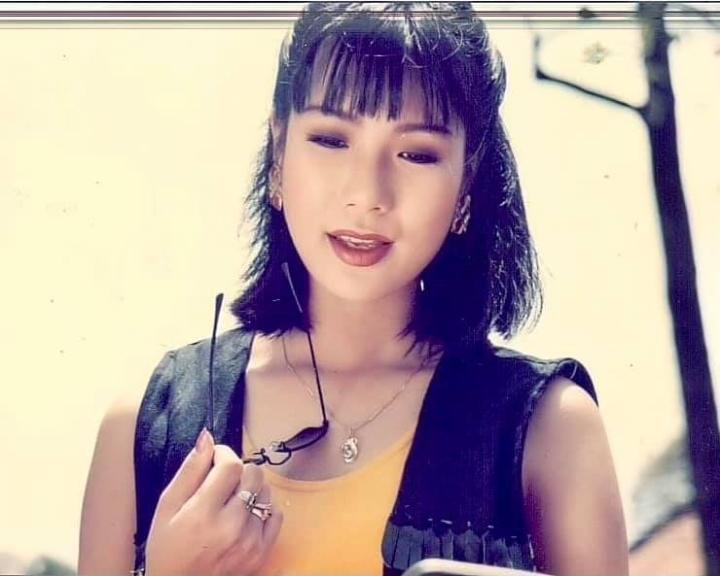 NSƯT Trịnh Kim Chi khoe ảnh thời trẻ khiến fan mê mẩn - 5