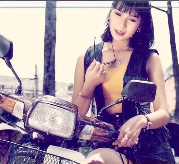 NSƯT Trịnh Kim Chi khoe ảnh thời trẻ khiến fan mê mẩn - 4