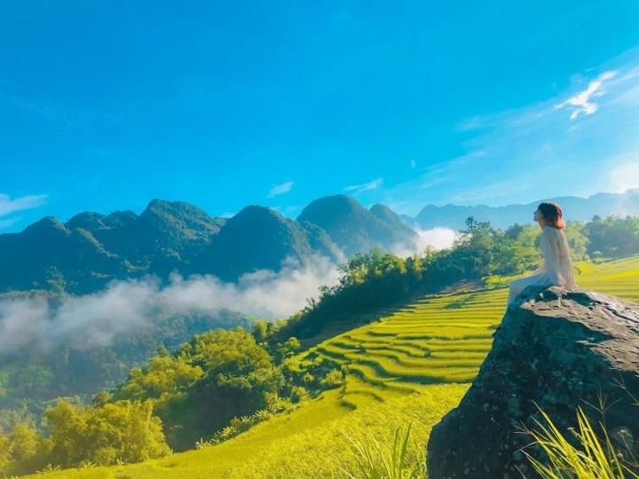 Tìm về chốn bình yên ở Thanh Hóa, mùa lúa chín ngả màu như 'biển vàng' - 6