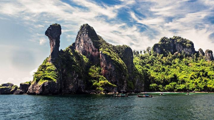 Video: Hòn đảo mang hình dáng con gà ở Thái Lan