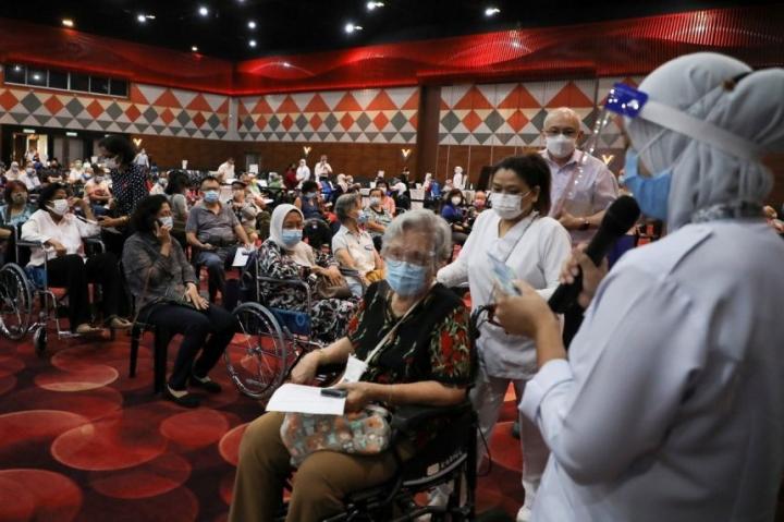 Đông Nam Á tăng tốc tiêm vaccine phòng COVID-19