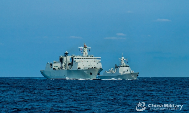 چین یک ناوشکن با 64 موشک برای آموزش در دریای شرقی - 1 فرستاده است