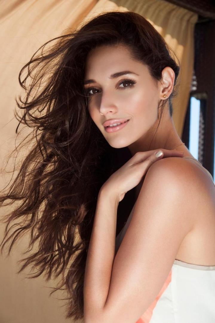 Chuyện tình đẹp của hoa hậu cao nhất lịch sử Miss Universe - 7