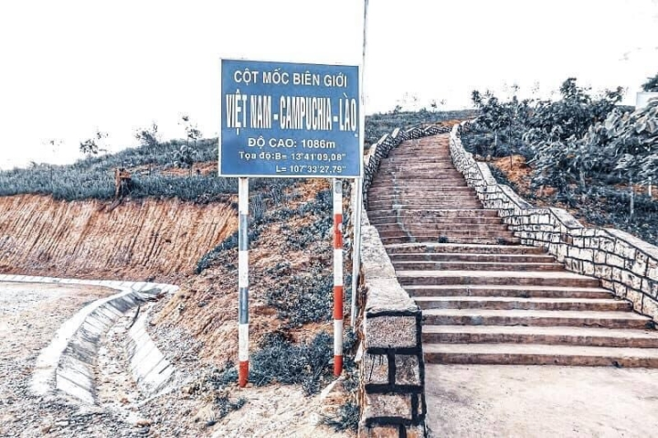 Ngã ba đặc biệt nhất Việt Nam: Nơi ngắm được toàn cảnh 3 nước Đông Dương một lúc - 6