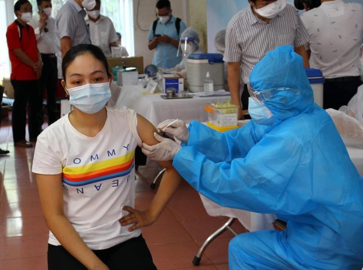 Việt Nam sắp nhận thêm khoảng 6 triệu liều vaccine COVID-19 AstraZeneca và Pfize - 1