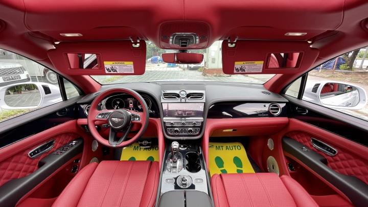 Bentley Bentayga V8 2021 với nội thất màu đặc biệt tại Việt Nam - 12