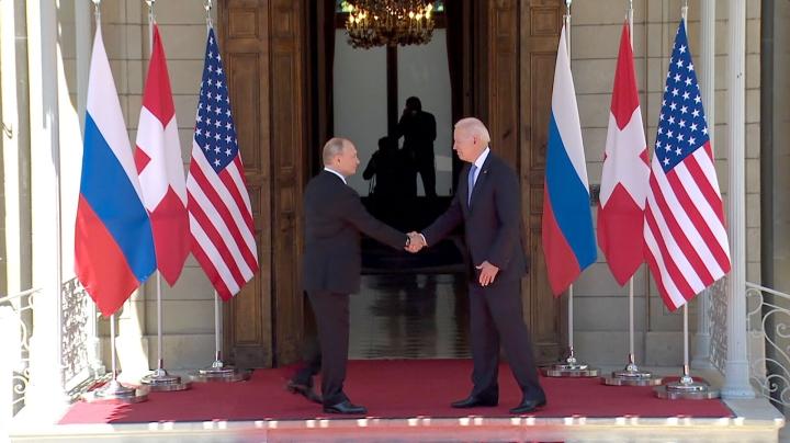 Nhà Trắng giải thích cái gật đầu của ông Biden khi được hỏi 'có tin Putin không' - 1