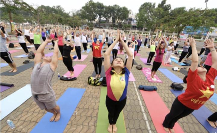 Đại sứ Ấn Độ: Ấn tượng khi nhiều người Việt Nam tập yoga - 2