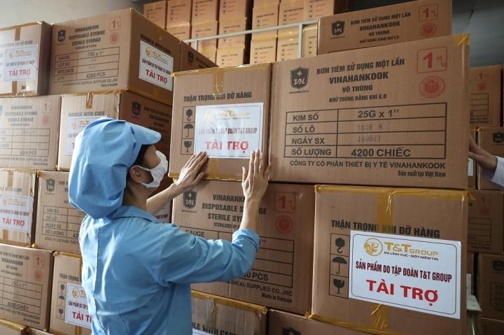 T&T Group 'tiếp sức' 500.000 bộ bơm tiêm vaccine  COVID-19 cho TP.HCM - 1
