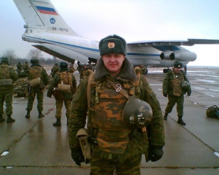 Đại úy Nga ra quân, chọn nghề làm móng cho chị em - 2