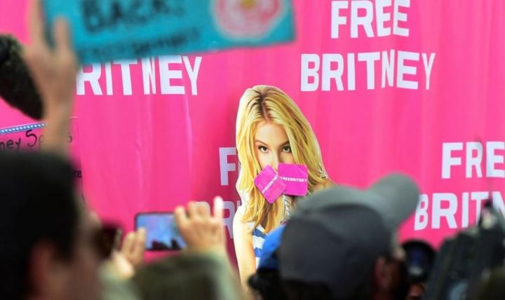 Britney Spears: 'Xin lỗi vì đã giả vờ rằng tôi ổn' - 2