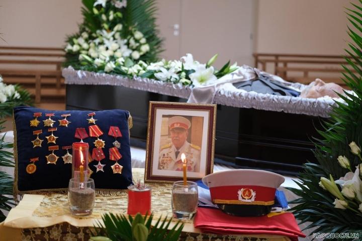 دفن قهرمان نیروهای مسلح Costas Sarantidis Nguyen Van Lap - 3