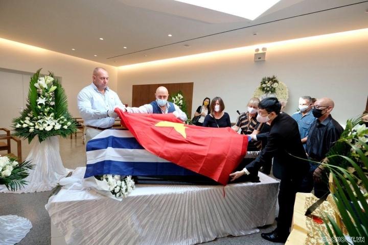دفن قهرمان نیروهای مسلح Costas Sarantidis Nguyen Van Lap - 4