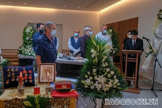 دفن قهرمان نیروهای مسلح Costas Sarantidis Nguyen Van Lap - 7