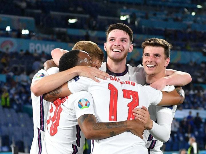Tuyển Anh phòng ngự hay nhất EURO 2020 - 3