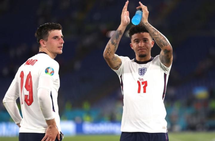 Tuyển Anh phòng ngự hay nhất EURO 2020 - 4