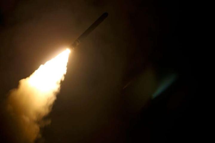 حمله موشکها به پایگاههای نظامی آمریکا در سوریه ادامه دارد - 1