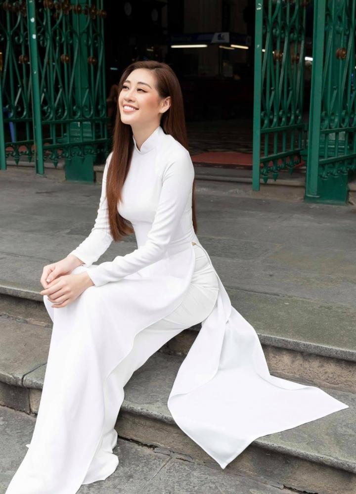 Các nàng hậu mặc áo dài trắng, gửi lời chúc đến sĩ tử thi tốt nghiệp THPT - 2