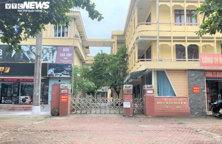 Ảnh: Cận cảnh hàng loạt trụ sở tiền tỷ bỏ hoang ở Nghệ An  - 2