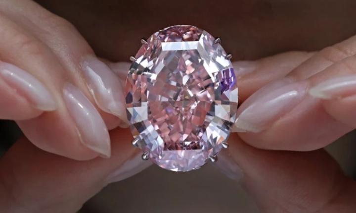 7 viên kim cương đắt nhất từng được bán đấu giá - 1