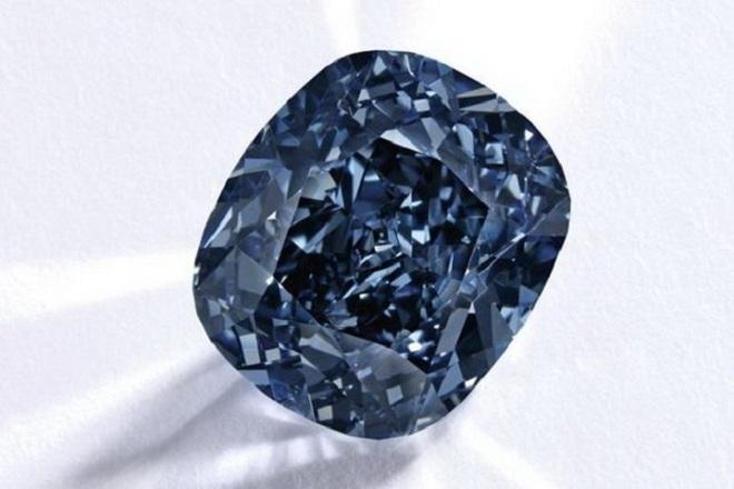 7 viên kim cương đắt nhất từng được bán đấu giá - 4